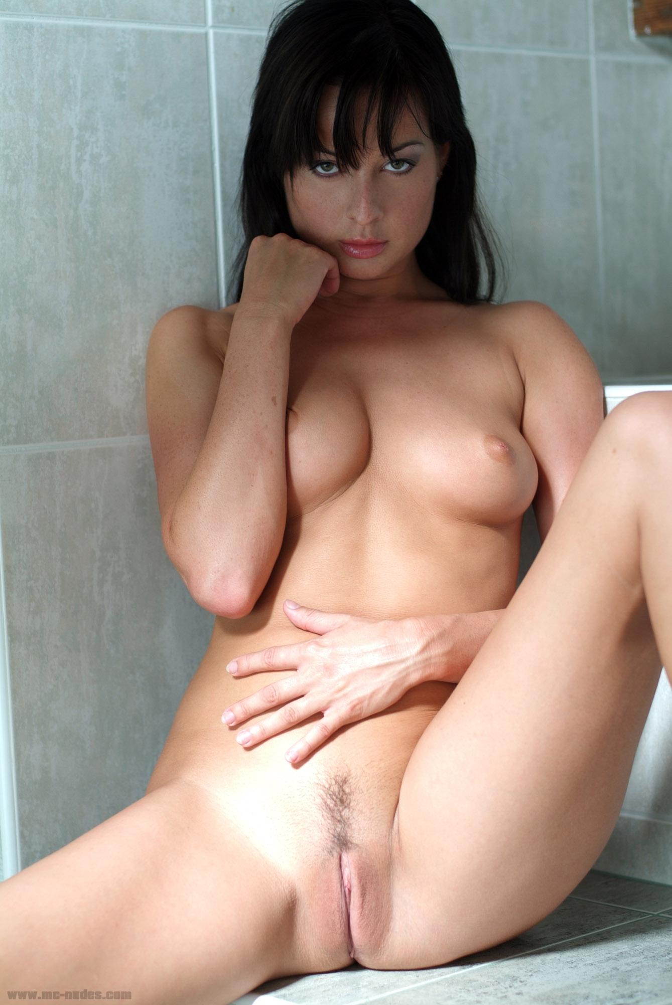 raven simon naked tits