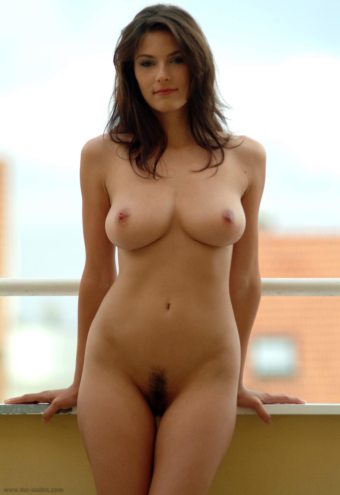 Фото полностью голых девок 12 фотография
