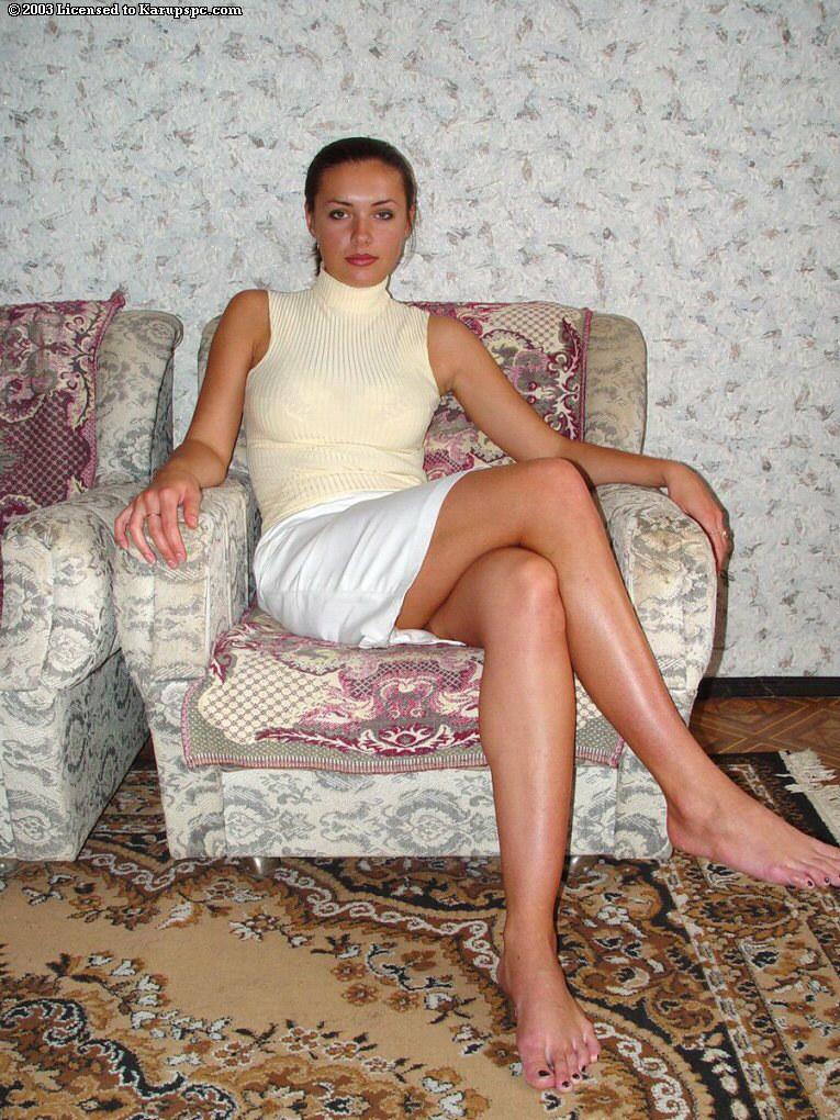 частное фото жен в кресле