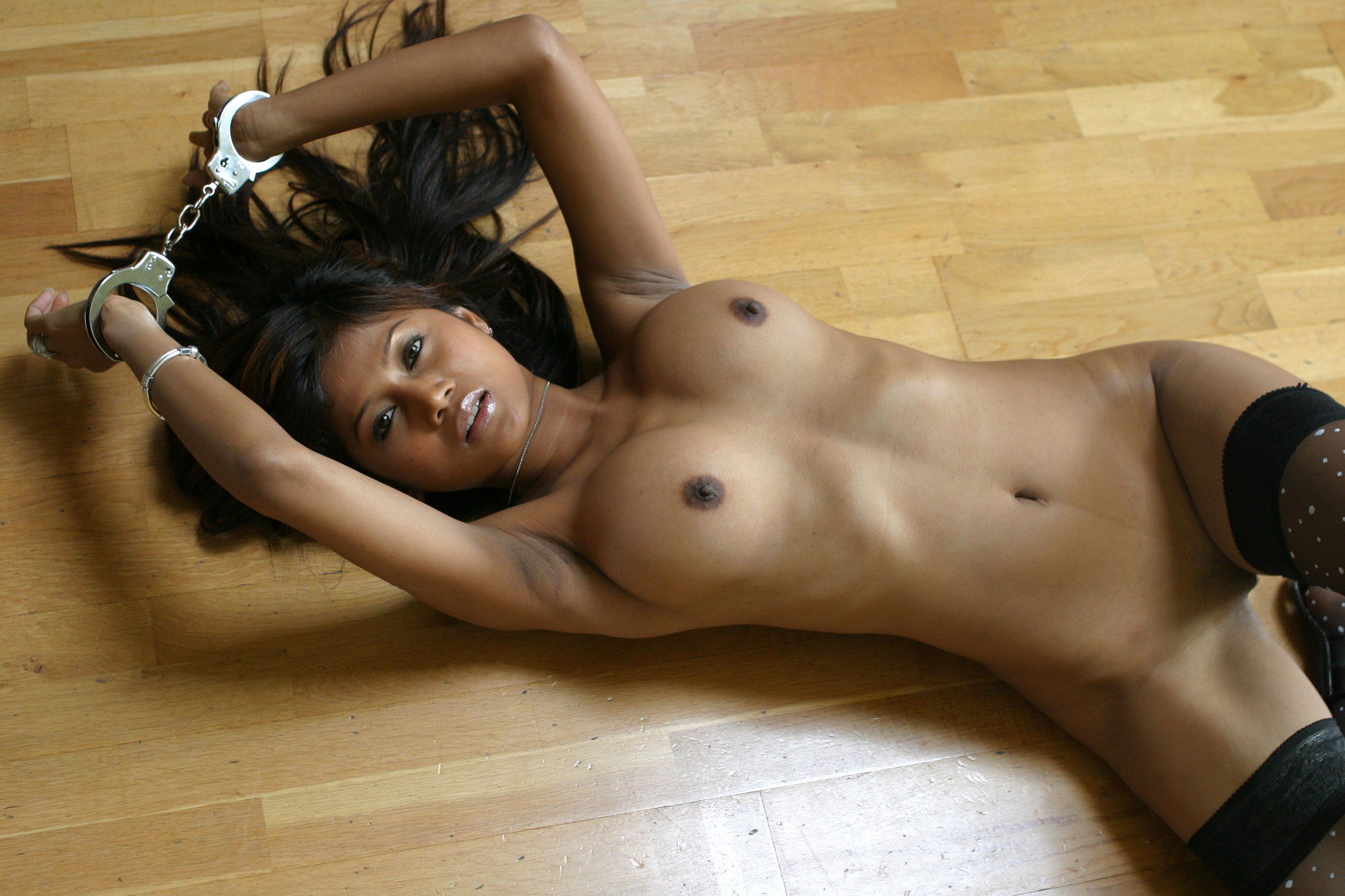 Секс тёлка в плену